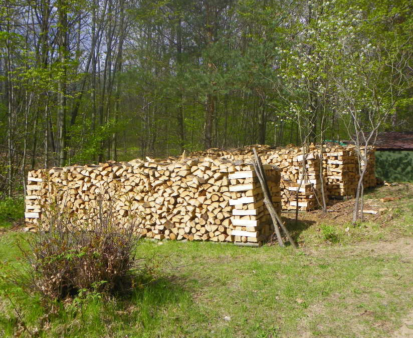 how to stack firewood to season 2